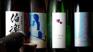 焼鳥×日本酒のペアリングをご堪能。鶏豚きっちん 渋谷道玄坂店には日本酒の種類も豊富